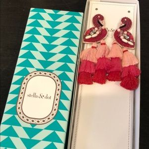 New in Box Stella & Dot Flamingo Earrings!